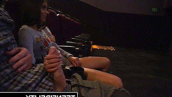 Жестко дерут с кремпаем с небольшими сиськами юная (Katya Rodriguez, Ryan Madison)