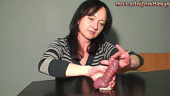 Рабыня девка дрочит член парню мамка с кончиной аматерка домашнее