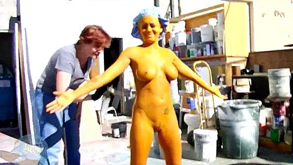 С буферами соска на съёмках секс-пародия (Andy San Dimas, Briana Blair, Evan Stone)