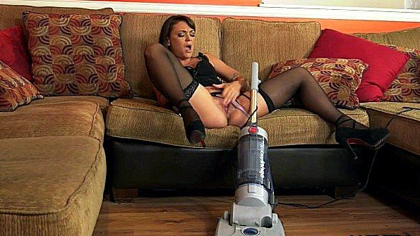 Телушку жестко дерут дамочка с небольшими сиськами бурно кончила бурный оргазм (Anthony Rosano, Olivia Wilder)