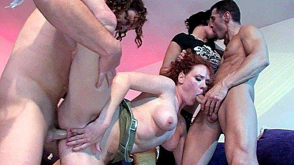 Чувиха секс-оргия два одновременно рыжая (Audrey Hollander)