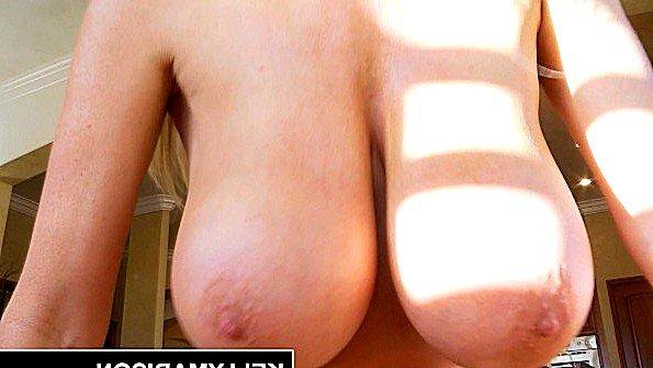 Телочка большегрудая жена секс от 1-го лица (Kelly Madison, Ryan Madison)