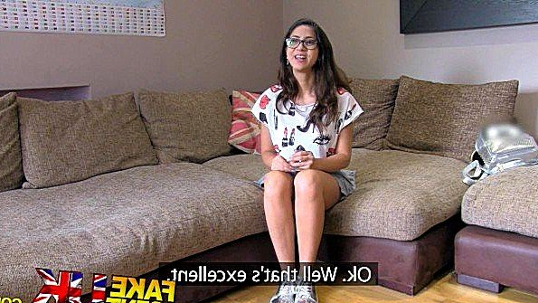 Крупным хуем британка порно-кастинг (Julia De Lucia)